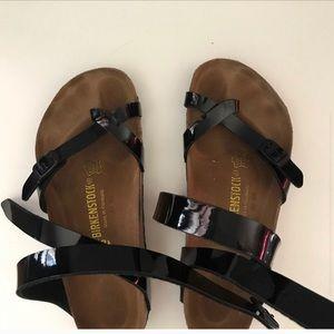 Birkenstock Shoes - Birkenstock black sandals; in GREAT condition